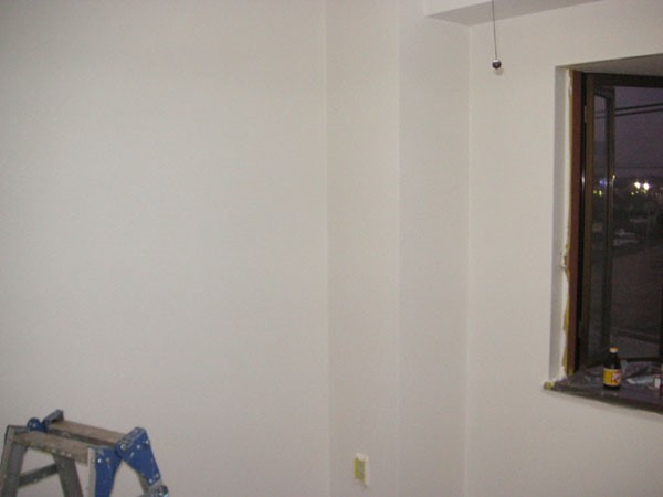 部屋クロス塗装の二回目が完了